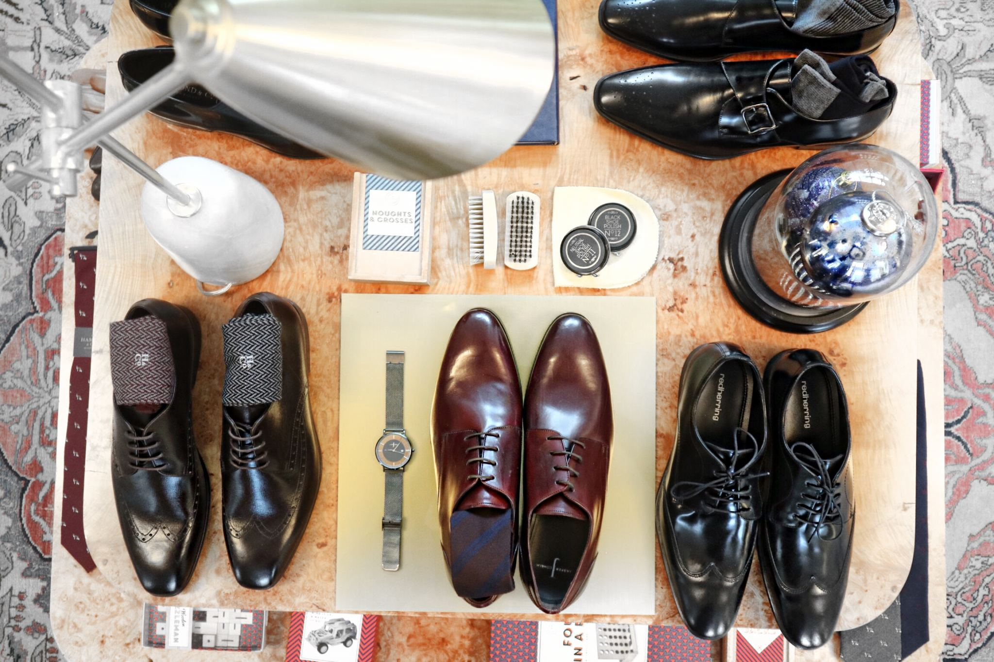 Men's flatlay shoes